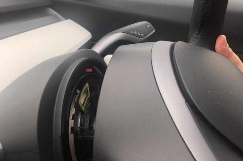 Tesla-bouwkwaliteit: Stuurwiel valt van gloednieuwe Model 3 af