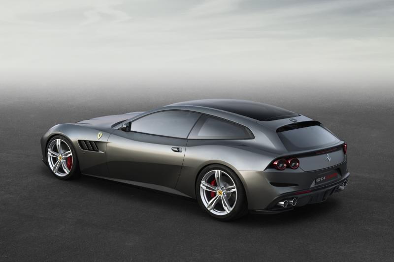 Ferrari heeft rechten op naam Purosangue niet, klaagt liefdadigheidsstichting aan