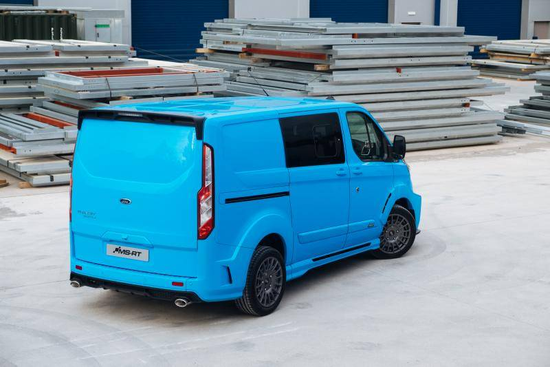 Ford MS-RT Transit is dé ultieme bumperkleefbus