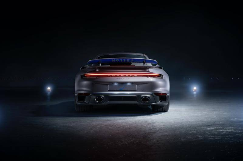 Koop een privéjet, krijg een Porsche 911 Turbo S cadeau