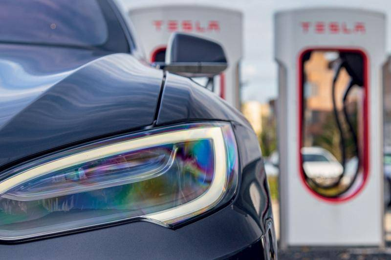 Coronabesmettingen in heropende Tesla-fabriek in Californië