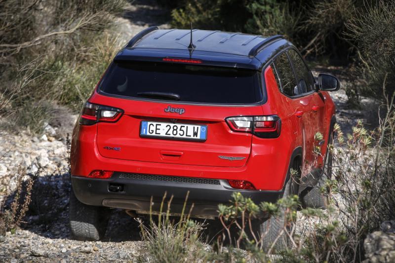 Vernieuwde Jeep Compass plug-in hybride 3000 euro goedkoper