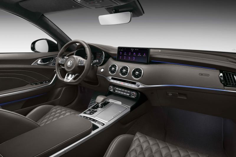 The Kia Stinger that no one buys has become 8,000 euros 'cheaper'!