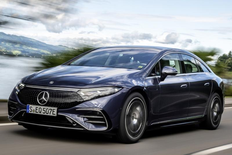 Test - De elektrische Mercedes EQS rijdt de sterren van de hemel