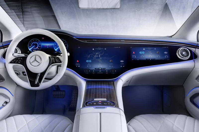Met de elektrische Mercedes EQS kun je naar Stuttgart (en verder)