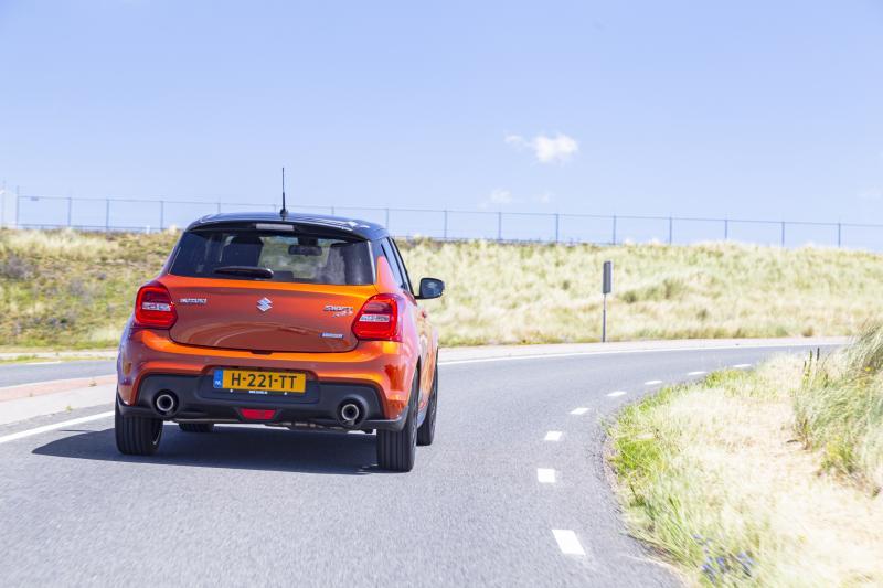 De Suzuki Swift Sport Hybrid (2020) is langzamer, maar voelt sneller