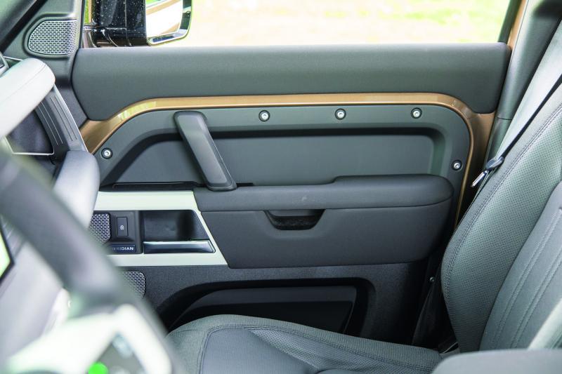 Eerste review Land Rover Defender 110 240D