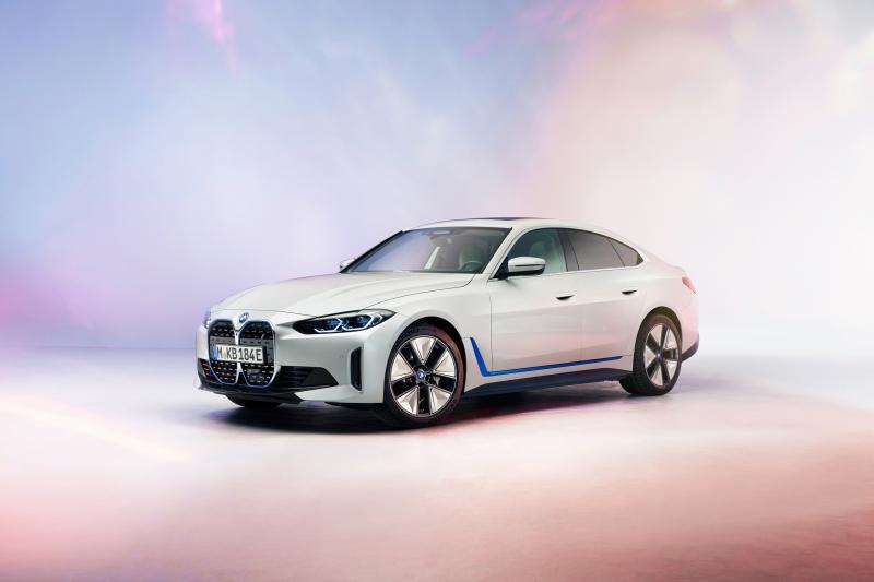 Dit is de elektrische BMW i4! En hij komt 590 kilometer ver