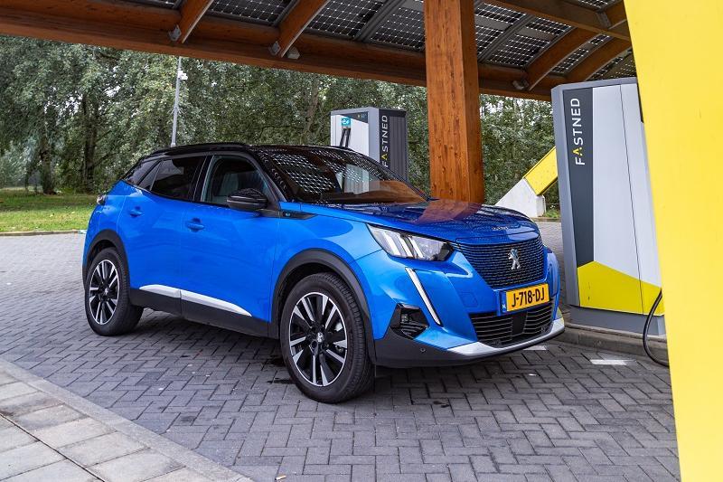 Elektrische Peugeot e-2008: actieradius gemeten bij 130 en 100 km/h