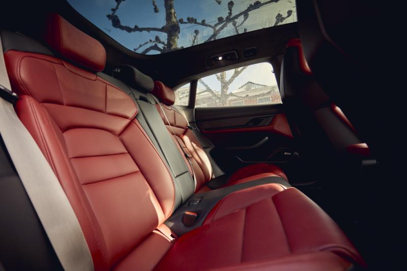 Je hond wordt doodsbang van de Porsche Taycan Cross Turismo