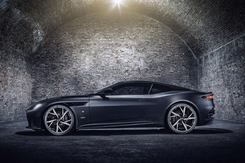 Stoer? Of suf? Aston Martin Vantage en DBS 007 Edition