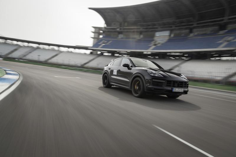 Nueva versión de Popeye Porsche Cayenne con aún más músculos de espinaca