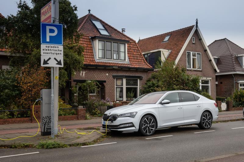 Eerste review: Skoda Superb iV plug-in hybride (2020)