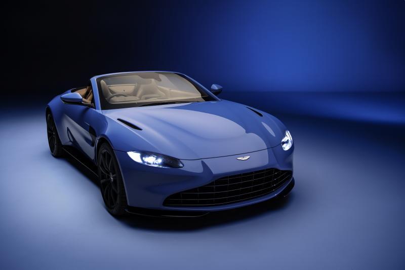 In de Aston Martin Vantage Roadster is het altijd lente