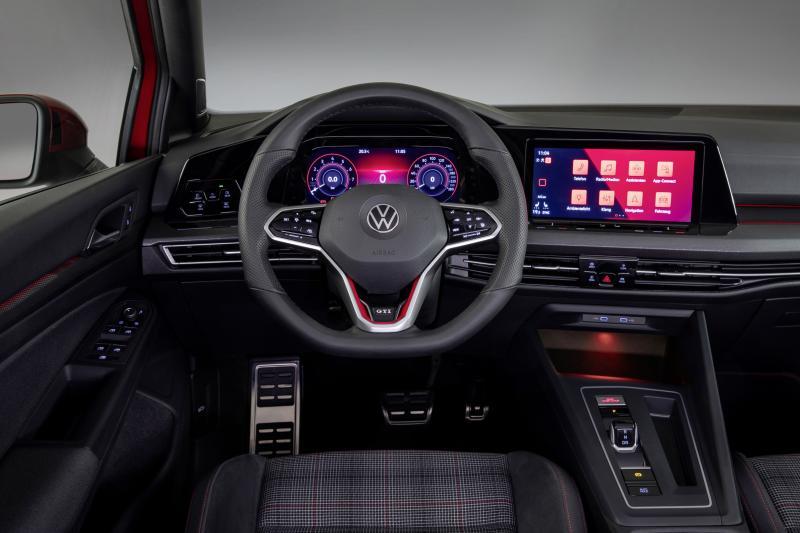 Wat nou, is de Volkswagen Golf GTI goedkoper dan de Ford Focus ST-3?