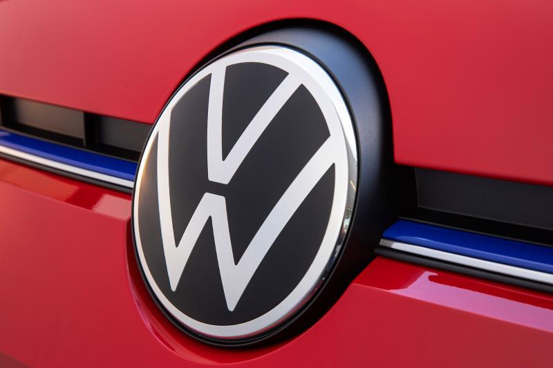 Volkswagen-spion dood gevonden in uitgebrande auto