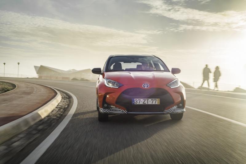 Eerste review Toyota Yaris Hybrid (2020)
