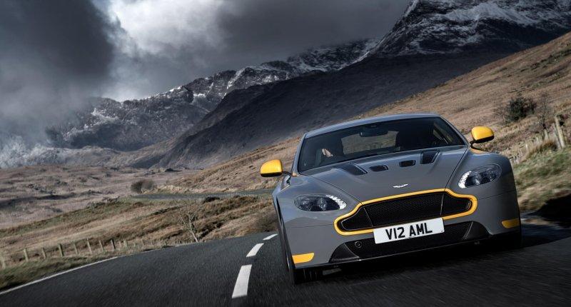 Vergapen aan de (manuele) Aston Martin V12 Vantage S