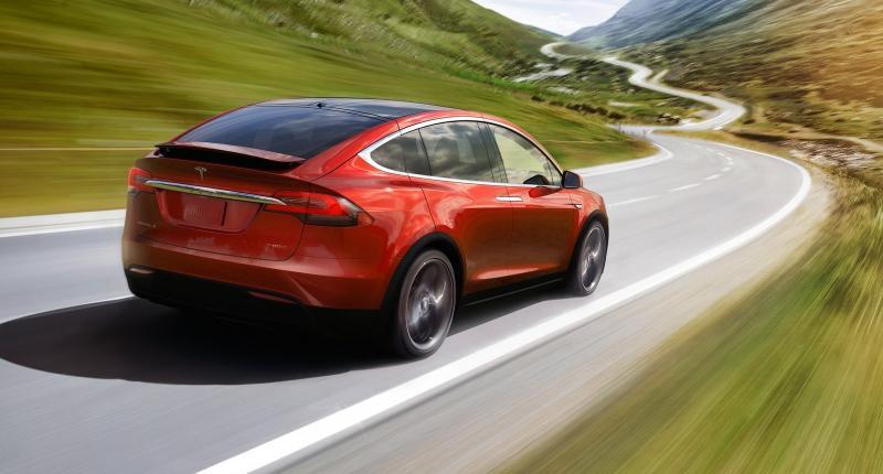 Tesla lanceert Full Self-Driving, maar zegt dat het niet veilig is