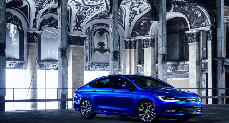 Gloednieuwe Chrysler 200 mag toekomst inluiden