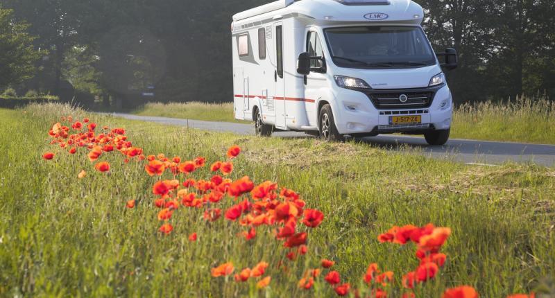 Vakantie-test LMC Cruiser T732 G: wat vind je allemaal in een luxe camper?