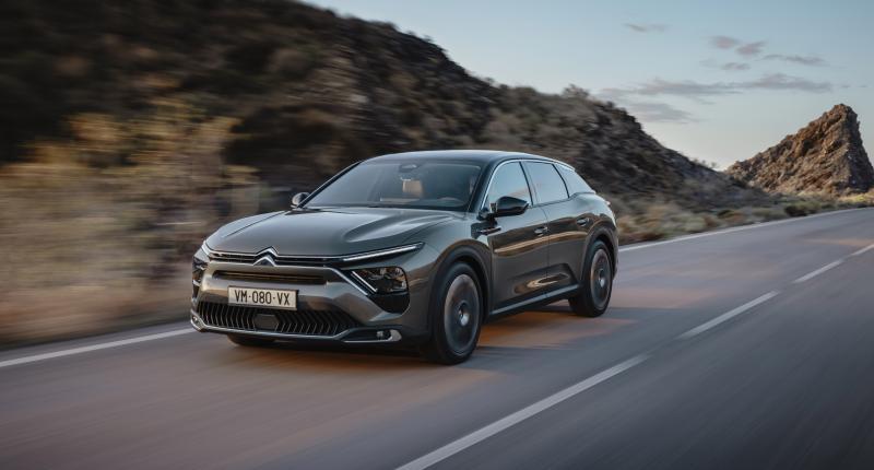 Prijs Citroën C5 X - Voor de sedan-station-suv moet je 37 mille neertellen. Maar wie gaat dat doen?