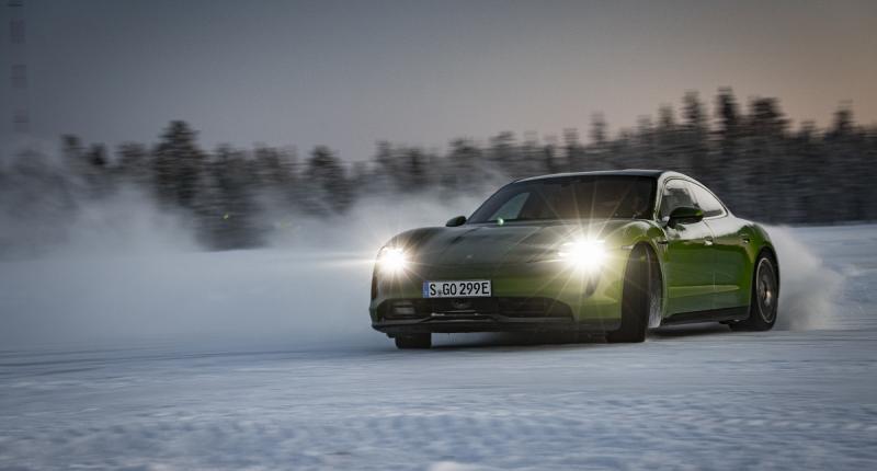 Code Rood! Waarom elektrische auto's je 's winters in de kou laten staan ...