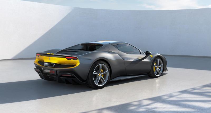 Europa: 'Ook Ferrari en Lamborghini moeten stoppen met brandstofauto's'