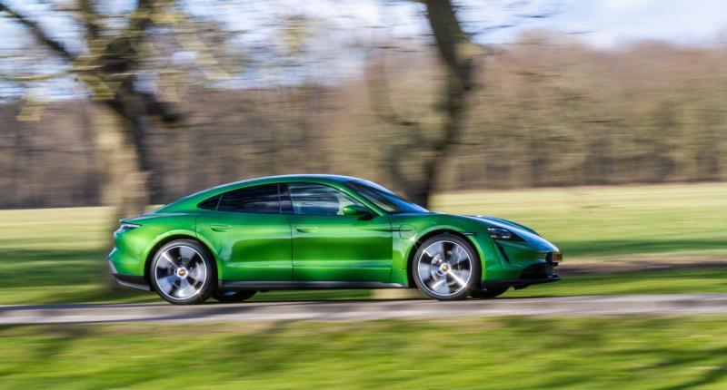 Test - Zo goed is de goedkoopste Porsche Taycan!