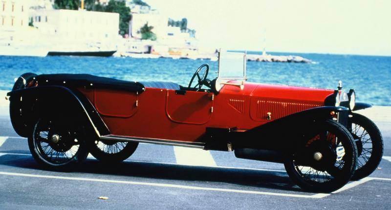 Zonder de honderdjarige Lancia Lambda had de moderne auto niet bestaan