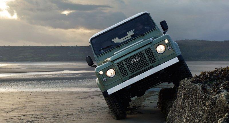 Land Rover Defender-weetjes - Wist je dat de eerste Land Rover als tractor bedoeld was?