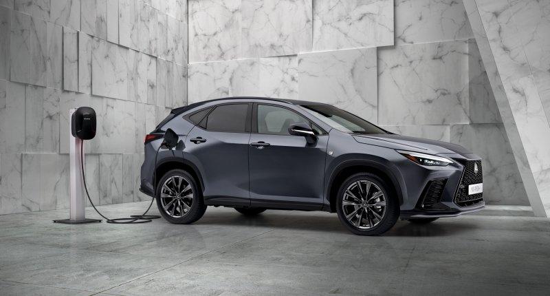 Nieuwe Lexus NX plug-in hybrid: Lexus gelooft tóch in stekkers