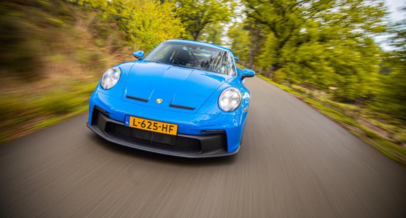 Sportwagens verkopen in Nederland voor geen meter! Behalve de Porsche 911 ...