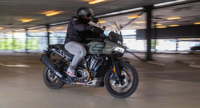 Motortest - Kan de Harley Davidson Pan America de dominantie van de BMW R 1250 GS doorbreken?