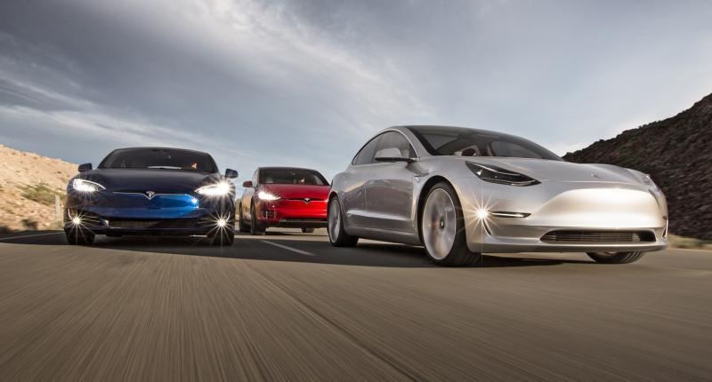 'Tesla-rijders die Autopilot gebruiken letten minder goed op de weg'