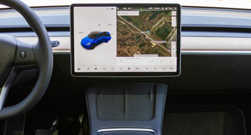 Knoppen? Weg ermee! 4 functies van de Tesla Model Y die je bedient met het touchscreen