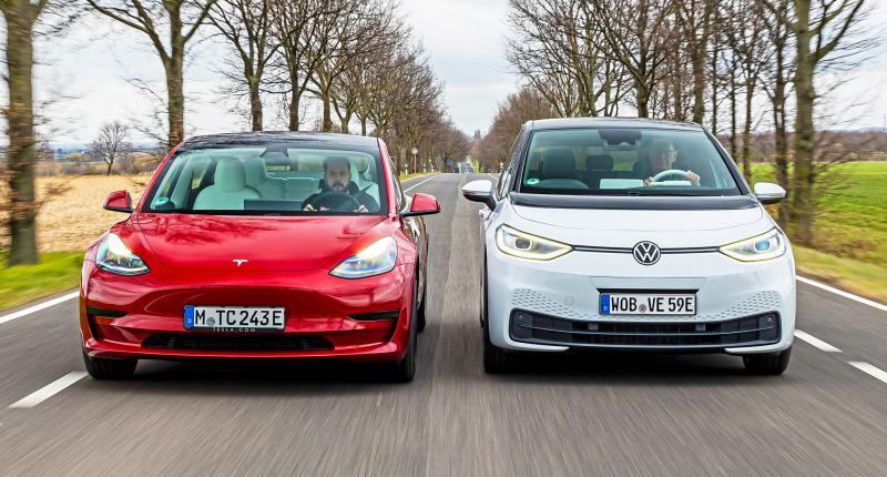 Test: Tesla Model 3 tegen Volkswagen ID.3 - Welke EV rijdt lekkerder?