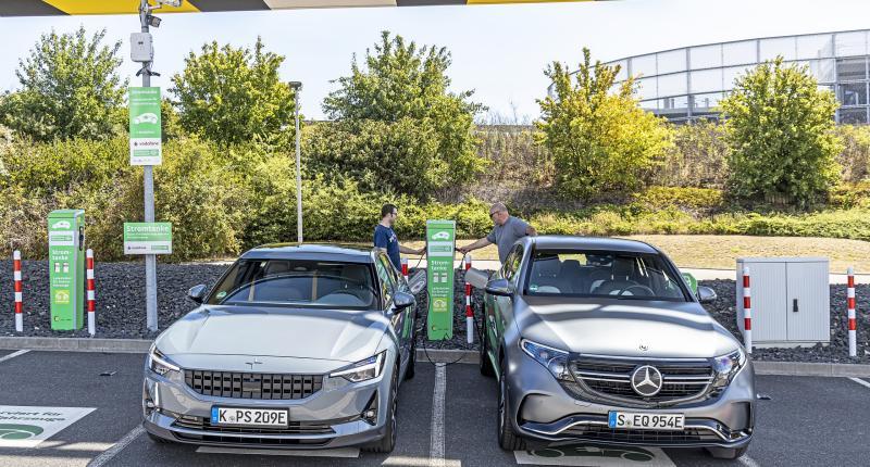 Test Polestar 2 en Mercedes EQC: forse prijsverschillen