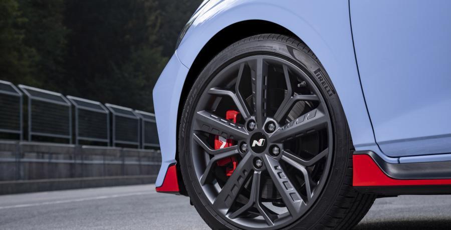 Hyundai i20 N zoekt ruzie met de Ford Fiesta ST