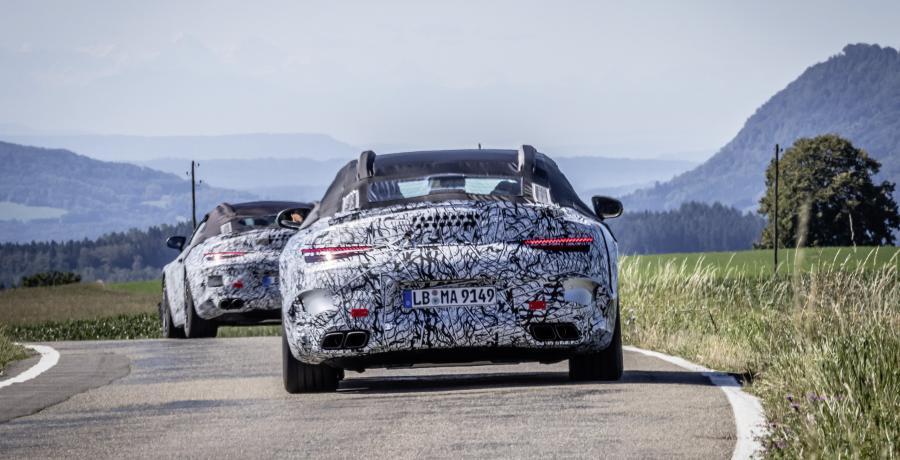 De Mercedes SL blijft. En hoe!