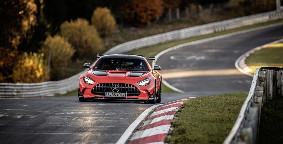 Mercedes-AMG GT Black Series wint wedstrijdje ver plassen