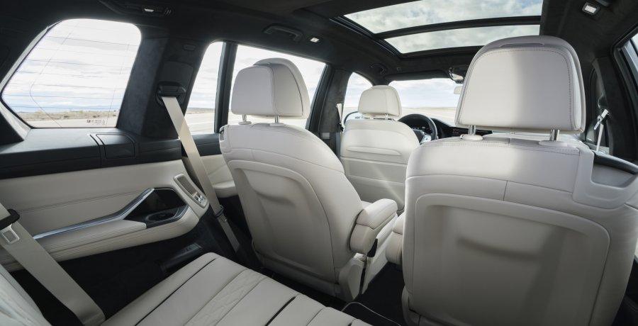 Vind je de BMW X7 al agressief? Kijk dan eens naar deze Alpina XB7