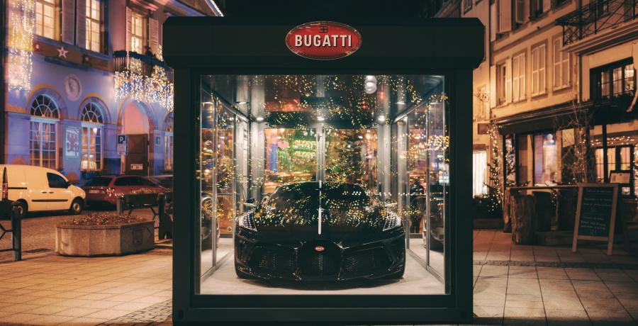 Serious Request: De Bugatti La Voiture Noire gaat het Glazen Huis in