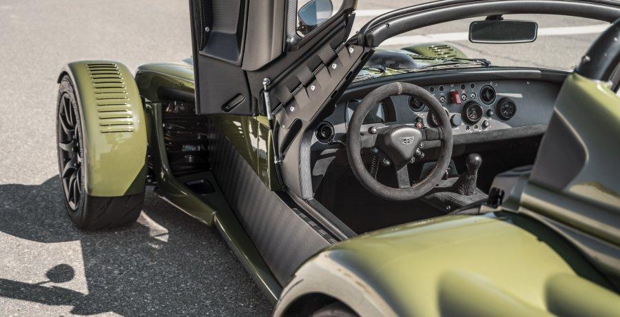De Donkervoort D8 GTO JD-70 is hier. Bekijk de 2G-sportwagen van alle kanten