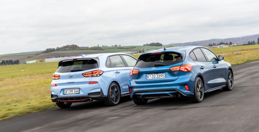 Wie is sneller, de Ford Focus ST of toch de Hyundai i30 N?