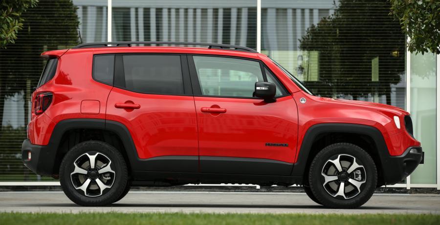 Pluggen en ploegen: de Jeep Renegade en Compass 4xe plug-in hybride (2020)
