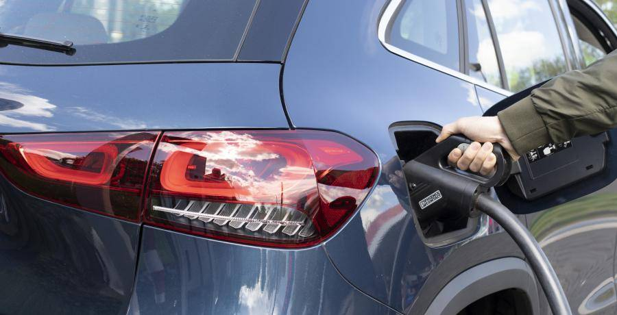 Test: zo pest de Cupra Formentor de Mercedes GLA - de Mitsubishi 'Foutlander' voorbij