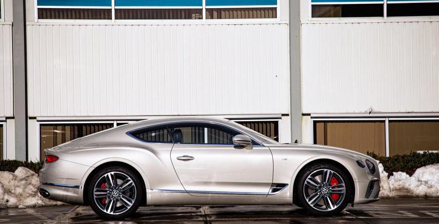 Bentley Continental R vs. Continental GT V8: Kin omhoog, borst vooruit