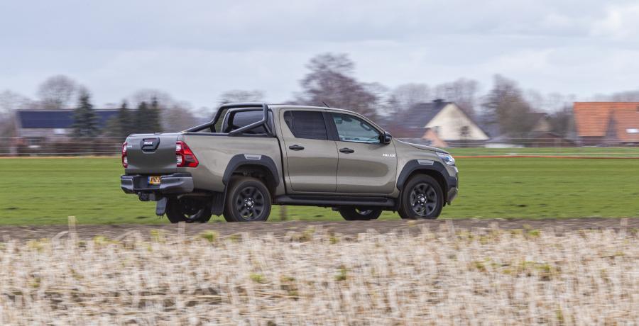 Eerste review Toyota Hilux Double Cab: hoe de oermens in je ontwaakt
