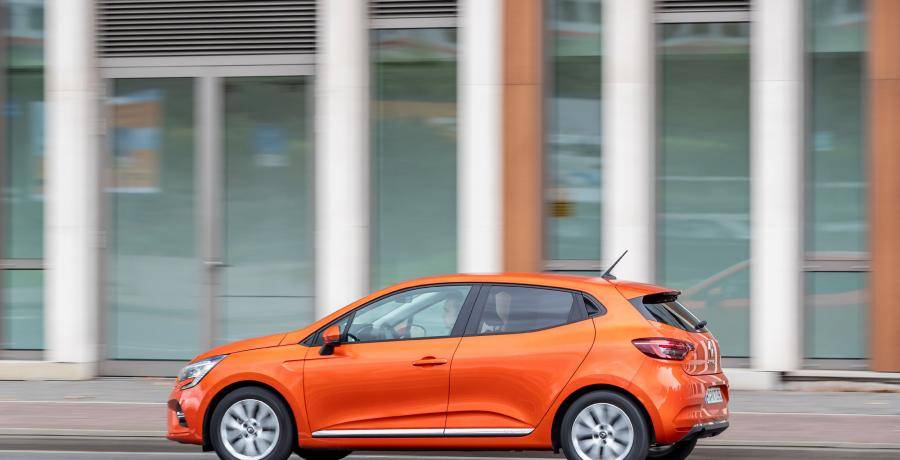 Test: welke is ruimer, de Renault Clio of de Volkwagen Polo?